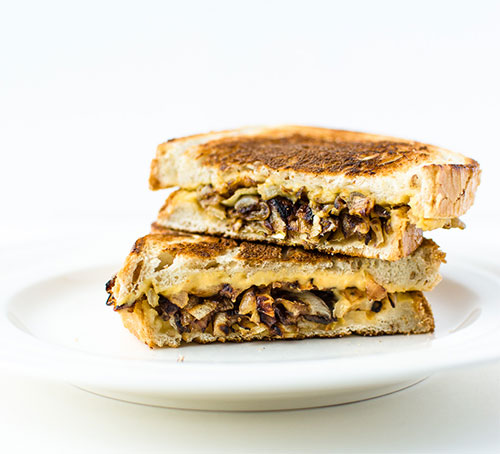 grilled-hummus-and-caramelized-sandwich-6