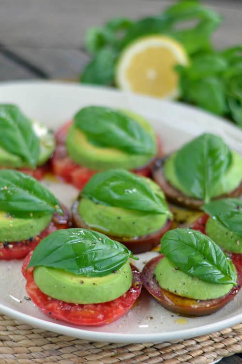 avocado-caprese-salad-heirloom-tomatoes-680x1020